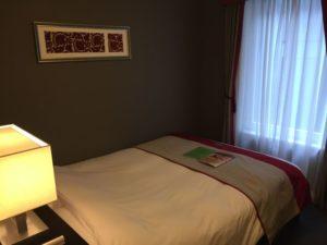 ホテルモントレ赤坂に泊まった時の内装や感想 ベッドのようす