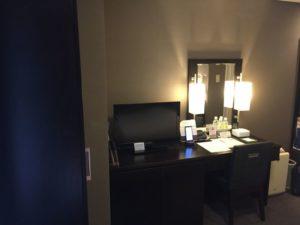 ホテルモントレ赤坂に泊まった時の内装や感想 デスクスペース