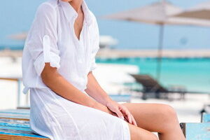 白が爽やか★水着の上に着るロングシャツ